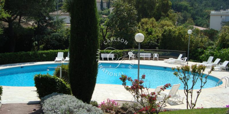 LA NAPOULE : Nice apartment in a high standing Residence with pool.